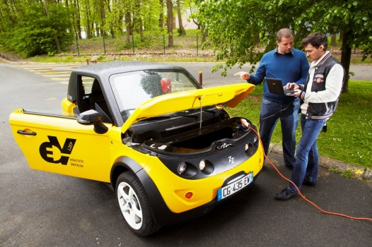 tazzari-vehicule-electrique-l2ep